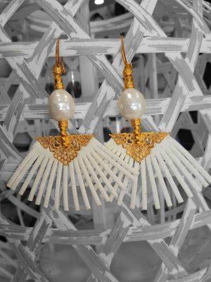 Σκουλαρίκια βεντάλια λευκά